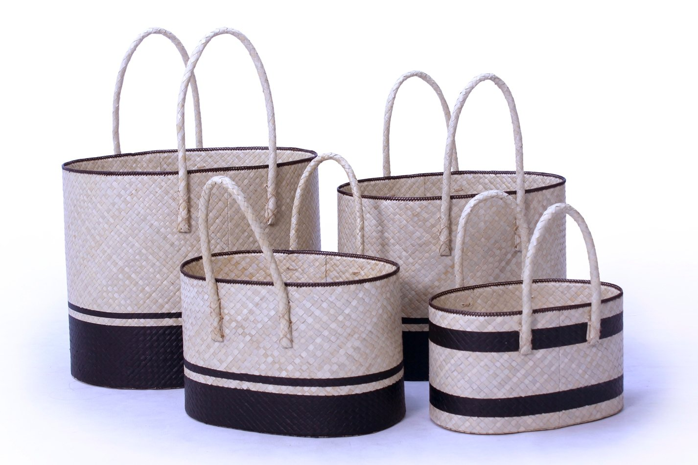 Pandanus oval basket set of 4 handicraft