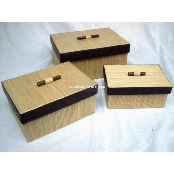 Mendong Rectangle Box with Bamboo Handle set of 3 handicraft