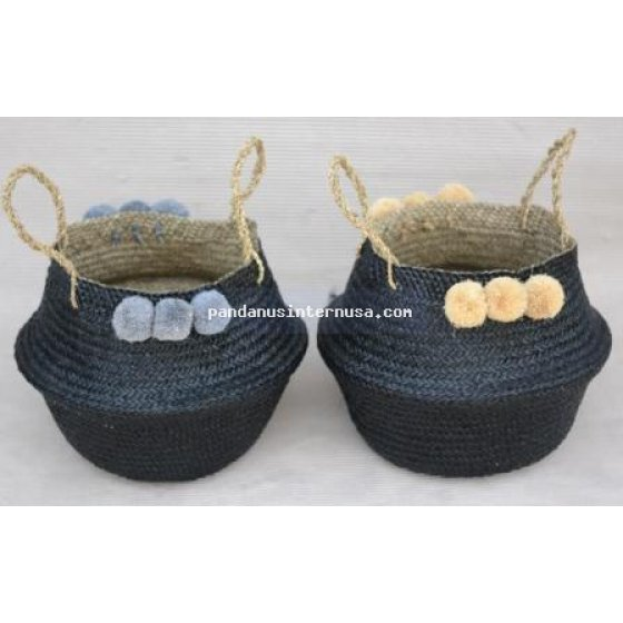 Mendong round basket with pompom handicraft
